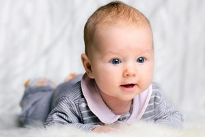 ce poate un bebe face la 3 luni
