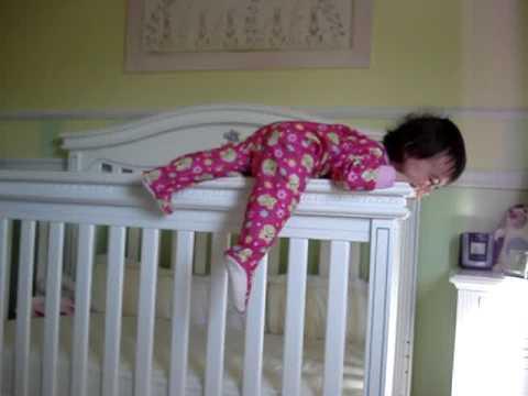 cum il faci pe bebelus sa doarma in patut