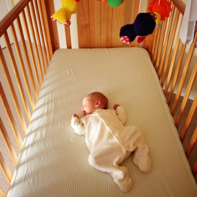 bebelusii au nevoie de mult somn