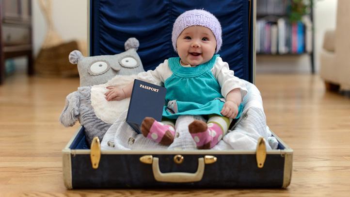 5 metode de a mentine programul de somn al bebelusilor in timpul calatoriilor
