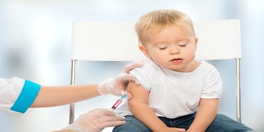 Vaccinul pentru bebe. Pro sau contra?