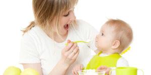 Cand este timpul sa oferi bebelusului alimente solide