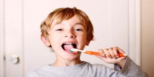 De ce cariile la dintii de lapte sunt periculoase?