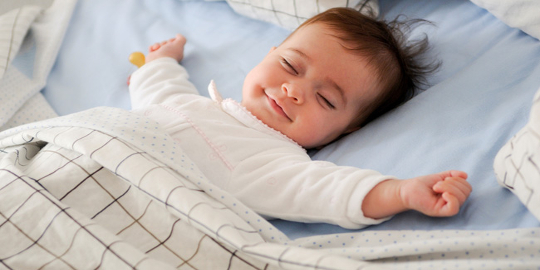 cum faci bebelusul sa doarma intreaga noapte