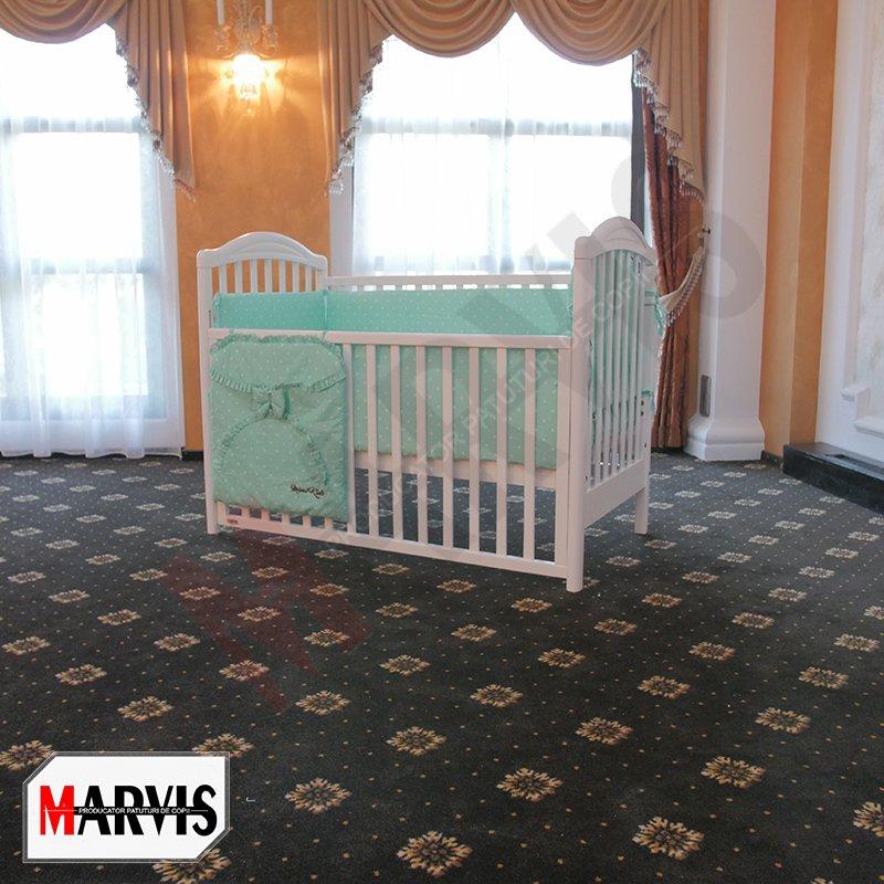 patutul bebe din lemn alb