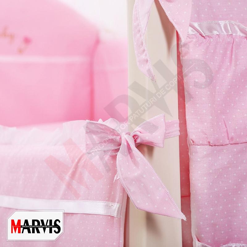 Lenjerie cu baldachin roz