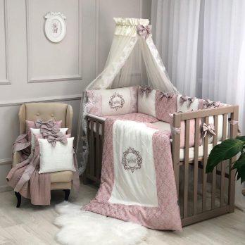 Lenjerie Patut Copii Bebe 8 piese Elegance roz